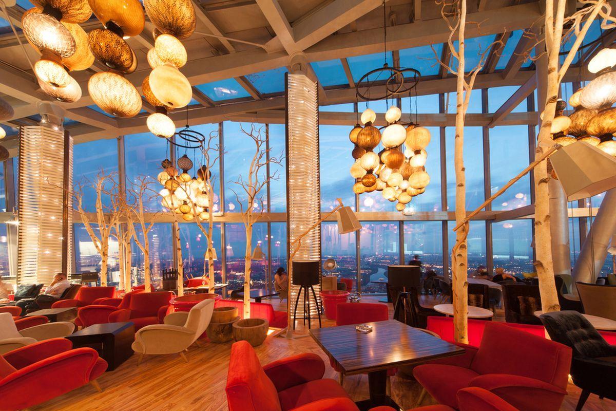 ресторан Sixty Башня Федерация